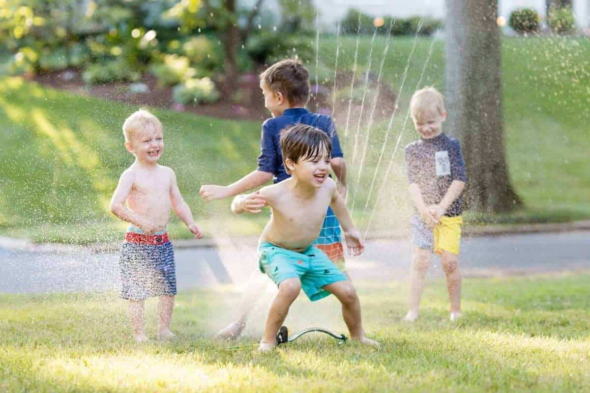 6 Tips for Capturing Amazing Sprinkler Photos of your Kids