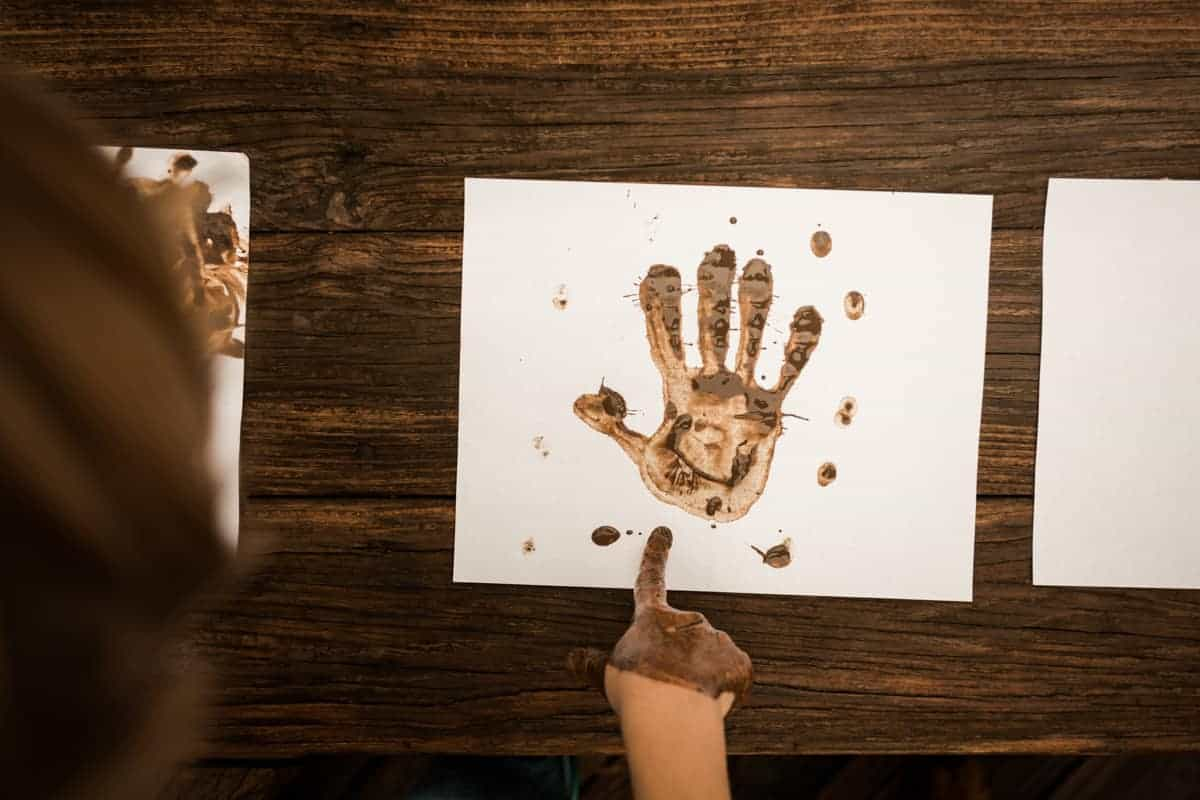 Ways to have Fun with Mud Handprint