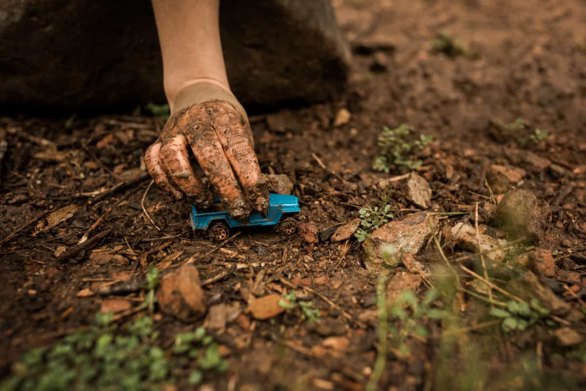 Mud Cars - fun ways to play with mud and dirt