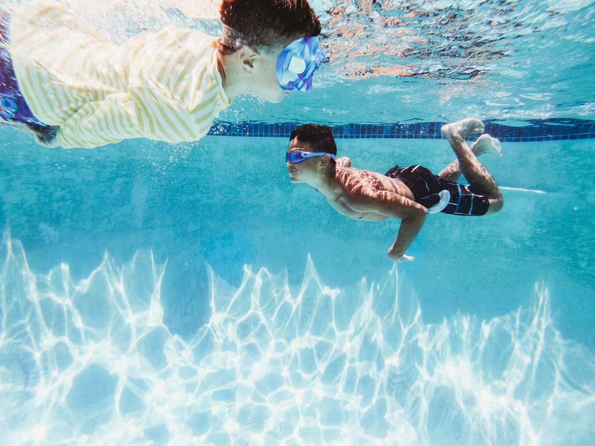 swimming pool and water play games for kids
